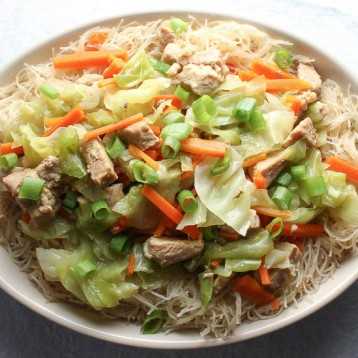 Filipino Pancit Bihon – Stir Fried Rice Noodles with Pork and Vegetables