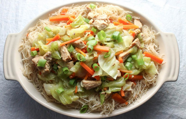 Filipino Pancit Bihon – Stir Fried Rice Noodles with Pork and Vegetables