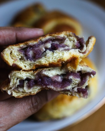 Quick Pan de Ube Purple Yam Bread Roll